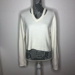 Olivaceous Sweater White Fuzzy V Neck Crop Small